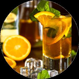 Herbata czarna Earl Grey z dodatkiem lodu, pomarańczy i mięty.